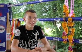 Võ sĩ Muay Thái chết vì chạy bộ giảm cân