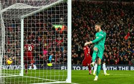 """Thắp sáng Anfield, Liverpool đoạt lại đỉnh cao, tiễn Man United về với """"vực sâu"""""""
