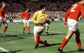 Gordon Banks, thủ môn huyền thoại từng vô địch World Cup 1966 cùng tuyển Anh, qua đời ở tuổi 81