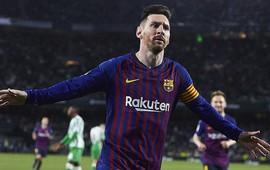 Messi lập hat-trick siêu phẩm và phản ứng không ngờ từ các cổ động viên đối phương