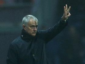 """Mourinho chơi """"tâm lý chiến"""" khi biết Man United gặp Chelsea ở Tứ kết FA"""