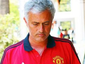 """Mourinho: """"Mua sắm kiểu này, tôi làm sao vui nổi"""""""