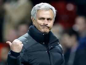 """Mourinho ra tối hậu thư: """"Chạy ngay đi, đừng làm mọi điều tồi tệ hơn"""""""