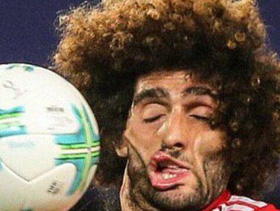 Mái tóc xù nổi tiếng và giàu tính giải trí nhất làng bóng đá chính thức biến mất