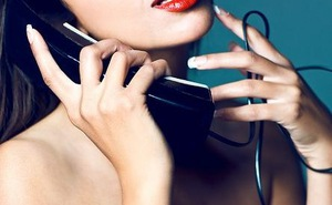 """Song Tử thích """"yêu"""" qua điện thoại"""