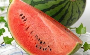 Công dụng cực tốt của dưa hấu đối với người cao huyết áp