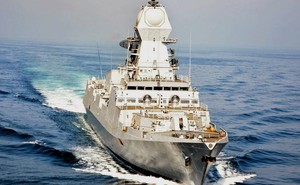 Điểm yếu lớn của khu trục hạm hiện đại nhất Ấn Độ