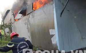 Hỏa hoạn kinh hoàng đầu năm, 100 cảnh sát vật lộn dập biển lửa
