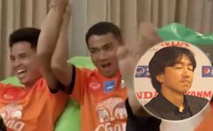 """Thái Lan bất ngờ tung clip """"móc máy"""" ĐT Việt Nam"""