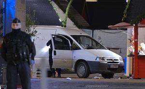 Cách gây án trong thảm kịch Nice hôm nay từng xảy ra liên tiếp ở Pháp 2 năm trước