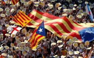Gần 1 triệu người xứ Catalonia biểu tình đòi tách khỏi Tây Ban Nha