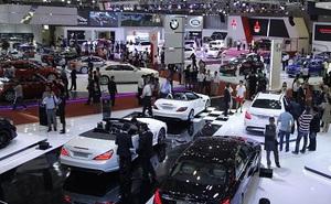 Người Việt mua hơn 800 xe ôtô mỗi ngày