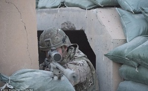 Lính bắn tỉa Anh kể chuyện diệt IS từ khoảng cách 1.400 m