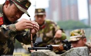 Mục kích bài tập siêu dị của lính bắn tỉa Trung Quốc