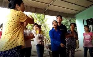 """Vụ vợ cán bộ thôn nhận quà lũ lụt: Chủ tịch xã khẳng định """"không nhân nhượng"""""""