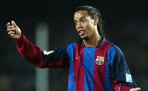 Lí do cười ra nước mắt khiến Man United mua hụt Ronaldinho