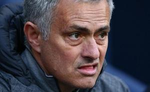 """""""Miếng võ"""" duy nhất mà chỉ Mourinho có, còn Sir Alex thì không"""