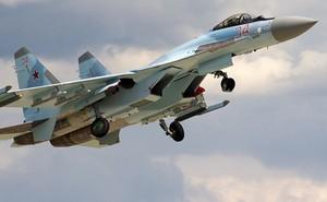 """Bị các máy bay chiến đấu của Nga """"trêu ngươi"""", F-22 của Mỹ chỉ bất lực đứng nhìn?"""