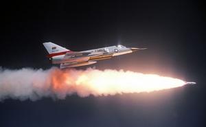 Tiêm kích đánh chặn mang tên lửa hạt nhân đáng sợ của Không quân Mỹ