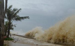 Áp thấp nhiệt đới bất ngờ hình thành xoáy, có thể mạnh lên thành bão