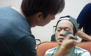 Buổi làm việc của chuyên gia make-up Phi Phi tại phim trường