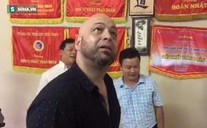 """Flores đã nói gì trước cáo buộc """"làm loạn"""" làng võ Việt Nam?"""