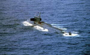 Chưa từng có, tàu ngầm hạt nhân Liên Xô chìm: Thuyền trưởng được Mỹ đón tiếp như anh hùng!