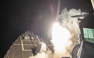 Nhà báo Mỹ: Ông Trump quyết phóng Tomahawk dù tình báo nói Syria không tấn công hóa học