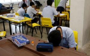 Mặt trái đằng sau thành công của nền giáo dục Singapore: Học sinh stress và tự tử