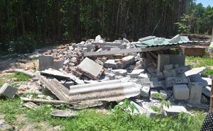 """Người bị cưỡng chế chuồng heo: """"Nhiều hộ cũng xây nhưng không bị đập bỏ"""""""