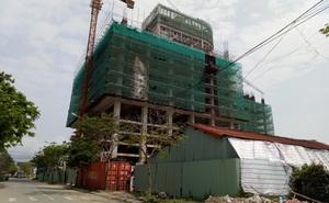 Công trình không phép xây hoành tráng, đóng cổng không cho kiểm tra ở ven biển Đà Nẵng