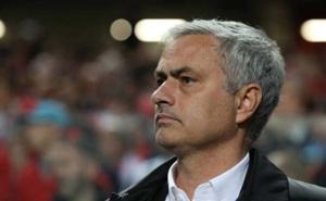 """MU tưng bừng rồi tẻ nhạt: Mourinho & """"bí quyết Donald Trump"""""""