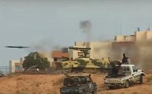 Hình ảnh gây sốc với xe tăng Nga