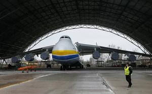 """Ukraine quyết định đóng cửa Antonov: Cái kết đắng cho gã """"khổng lồ"""" hàng không"""