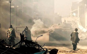"""IS lôi vũ khí hạng nặng ra """"nghênh chiến"""" ở Syria"""