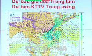 Hoàn lưu bão số 11 gây mưa dông mạnh ở khu vực giữa và Nam Biển Đông