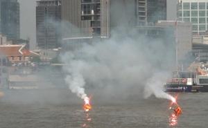 Cứu hành khách đi tàu bị rơi xuống sông Sài Gòn