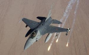 """Những """"kỷ lục gia"""" đáng gờm nhất của Không quân Nga, Mỹ"""