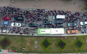 Những tình huống buýt nhanh BRT bị ôtô, xe máy cản trở