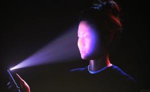 Snowden lên tiếng về iPhone X: Face ID là thiết kế đáng kinh ngạc, nhưng dễ bị lợi dụng!