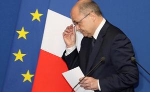 Bộ trưởng Nội vụ Pháp từ chức vì bê bối tuyển dụng con gái