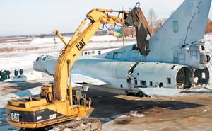 """Ukraine """"xẻ thịt"""" TU-160, bán tháo công nghệ tên lửa vì nghe lời Mỹ"""