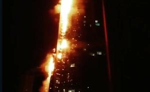 """Tháp 'Đuốc"""" 79 tầng ở Dubai cháy ngùn ngụt"""