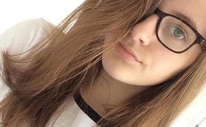 Con gái tuổi teen đột ngột tự tử, mẹ bàng hoàng phát hiện lời cầu cứu bị bỏ qua