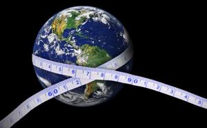Trái Đất nặng 5,972 x 10^24 kg, nhưng làm cách nào người ta cân được chính xác đến vậy?