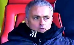Phản ứng rất khó giải thích của Mourinho khi học trò lập siêu phẩm