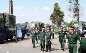 """Việt Nam bảo đảm quốc phòng khi tạo """"cực"""" tăng trưởng mới"""