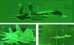 """Su-27SM Nga bị CF-18 Canada """"tóm sống"""" trên vùng trời Biển Đen"""