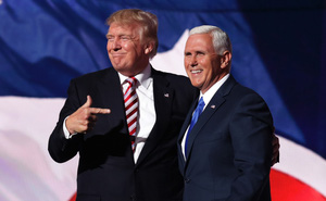 """Cử Mike Pence tới châu Á - TBD, ông Trump phó mặc cho Trung Quốc """"đục nước béo cò""""?"""