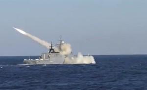 """Tàu hộ vệ """"Gromkiy"""" phóng Uran, tên lửa có trong biên chế Hải quân Việt Nam"""